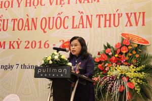 PGs.Ts Nguyễn Thị Xuyên phát biểu